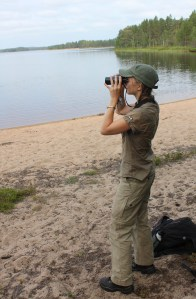 Birdwatching in the Tiilikkajärvi National Park, Eastern Finland. © Sari Holopainen